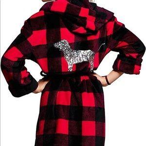 VS Pink buffalo plaid robe